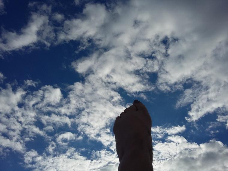 Fuß in der Luft
